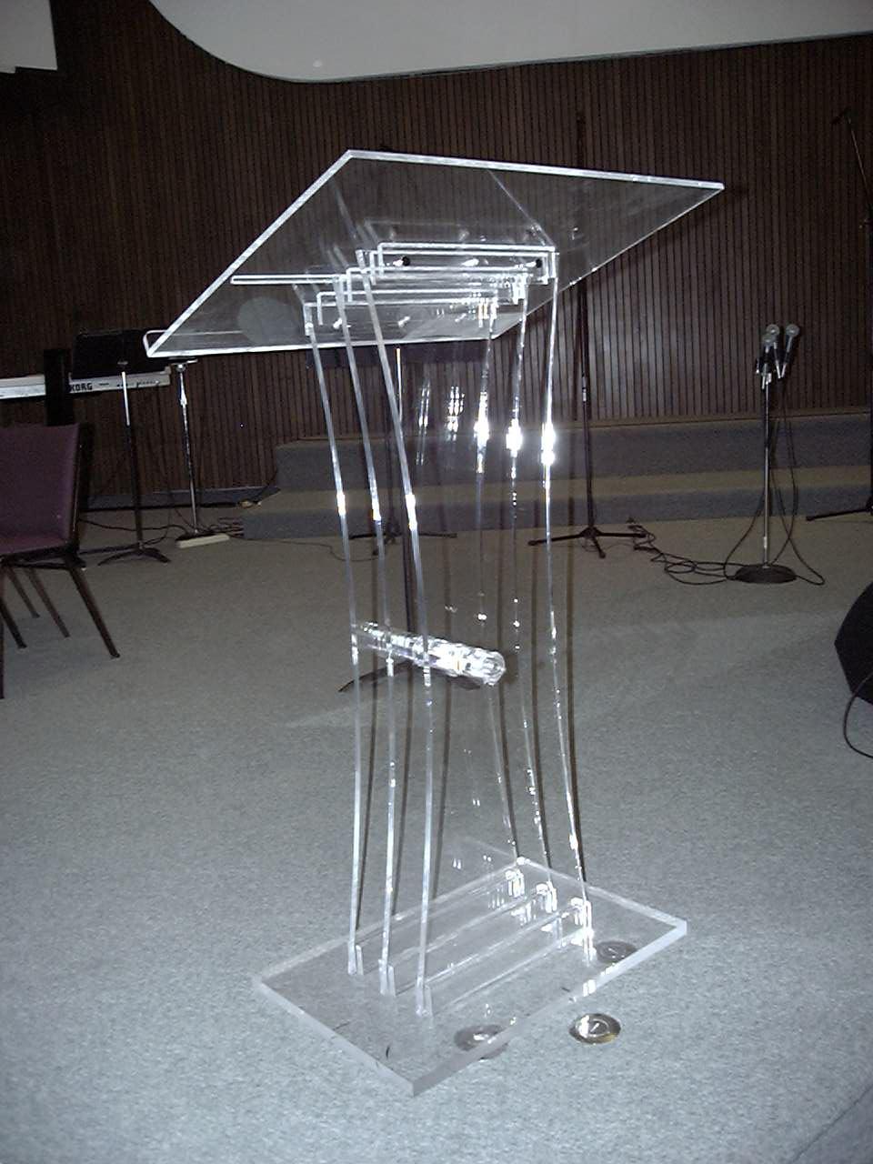 Podiums Ottawa Canus Plastics